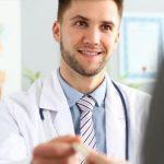 ir al médico de confianza